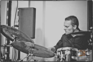 Zespół muzyczny na wesele z perkusją akustyczną to dzisiaj rarytas Perkusja w zespole i oczywiście dobry perkusista nadaje niepowtarzalny klimat i dynamikę muzyki weselnej
