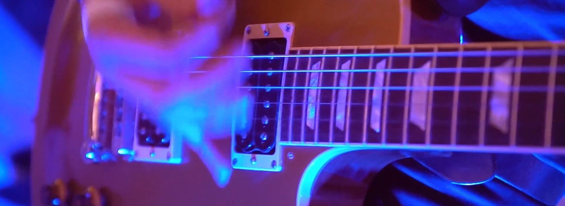 Zespół na wesele z gitarą to podstawowy instrument który powinien się znaleźć w instrumentarium... faktem jest, że gitarzysta w zespole weselnym musi grać sprawnie...