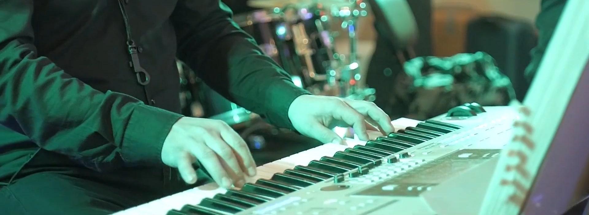 Zespół na wesele powinien mieć akordeon w swoim instrumentarium...