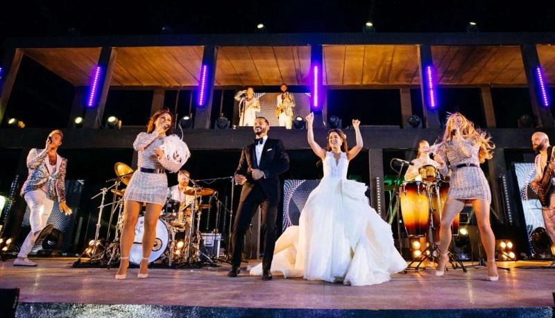 ile kosztuje zespół na wesele grający na żywo, koszt wynajęcia zespołu grającego na żywo na wesele